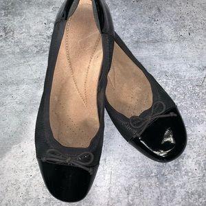 Clarks Cap toe ballet flats